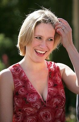 Sophie Raworth 11.5 x 8.5 inch Glossy Photo No1