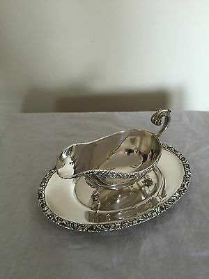 Lovely Silver Plated Sauce Boat On Three Paw Feet With Stand (Birks)