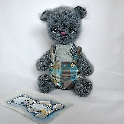 Handmade crochet gray cat, 11 ¼in.