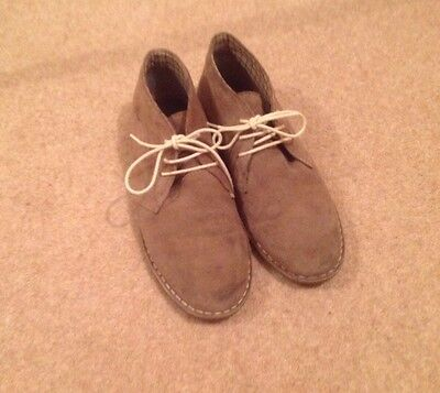 mens Howick size uk9 suede ankle boots