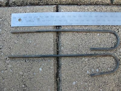 Irrigation Poly Pipe Metal Stakes 195mm: Secures 13mm & 19mm Pipe/Risers