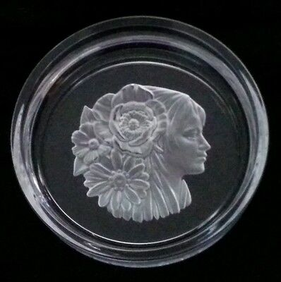 Clear Glass Dish with a Frosted Glass Ladies Head design, 13cm diameter.