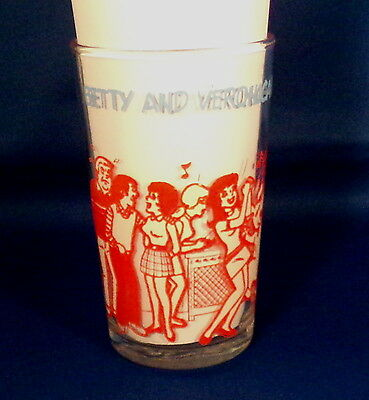 Betty & Veronica Glass Marked 1973 Archie Comic Publications, Inc Good Condition