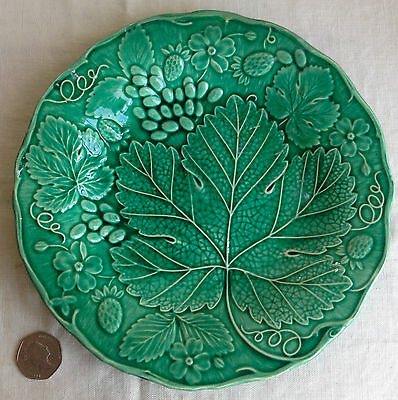Green Majolica Antique Luncheon Plate Strawberries Grapes & Leaf 8.75""