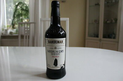 Alter Sherry Sandeman Medium Dry Amontillado 0,7 Liter ca. 30 Jahre 17,5 % Vol.