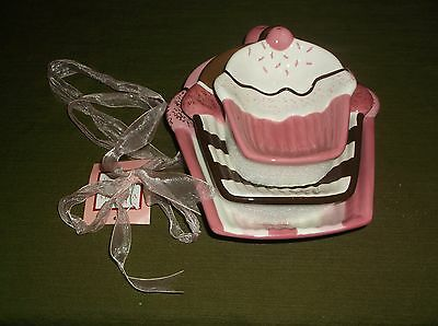 New Set of 3 Cupcake Shaped Happy Valentine's Day Bowls