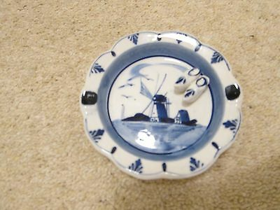 Hand painted Delft-blue plate