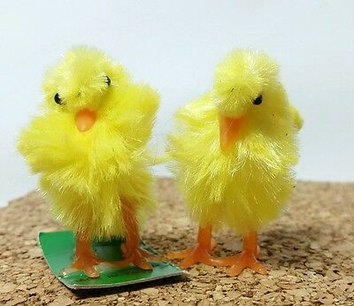 "Collectible Vintage 1970s Mini Chenille 1.5"" Easter Chicks, 1 on Original Card"