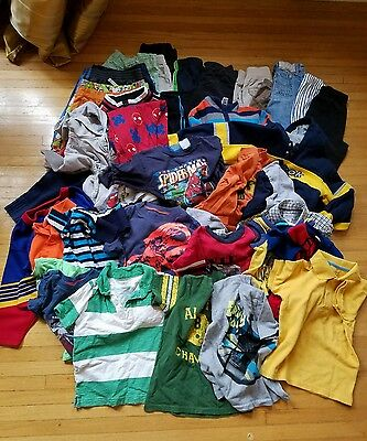 LOT of BOYS CLOTHES SIZE 2T-3T