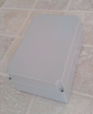Adaptable Weatherproof Electrical Junction Box 220x150x95mm IP55