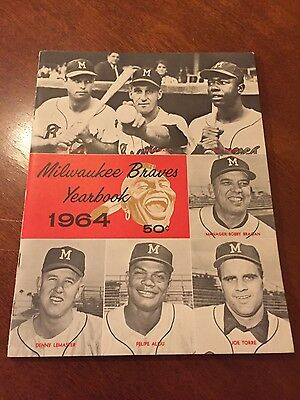 1964 Milwaukee Braves Official Team Yearbook ~ NM+