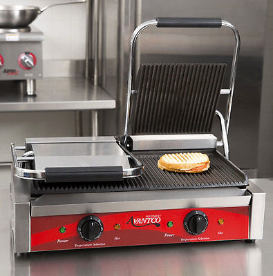 Avantco P84 Double Grooved Commercial Panini Sandwich Press Grill 120V 3500W