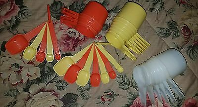 Tupperware Measuring Cups and Spoons Mixed Lot