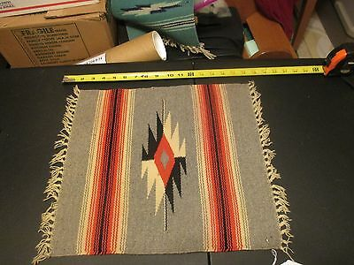 VINTAGE CHIMAYO RUG TRADITIONAL PATTERN TABLE TOP SIZE (uy200)