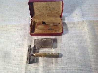 Vintage Gillette Safety Razor complete with Blade Box in Red Leatherette Box