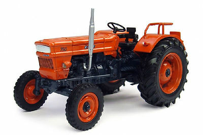 Fiat 750 1970 Trattore Tractor 1:32 Model 4056 UNIVERSAL HOBBIES