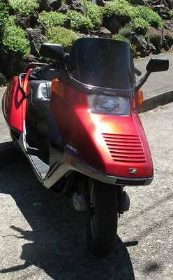1986 honda helix in excellent condition runs great look i need room ok?