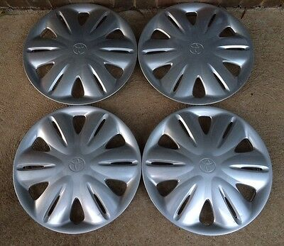 "TOYOTA CAMRY Csi 2000-2002 HUB CAPS..15 "" SET OF 4...GENUINE"