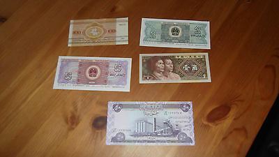 x Collection of 11  world bank notes  Lot 2