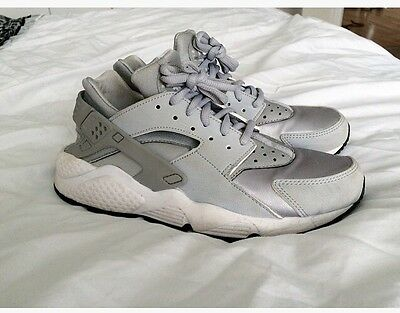 Women's Nike Air Huarache Size 5, Silver Grey
