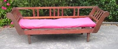 Day Bed/Settee