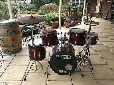 Vintage Dixon 5-Piece Drum Set With 4 Zildjian Cymbals