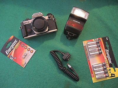 OLYMPUS OM4Ti with F280 flash and synchro cord