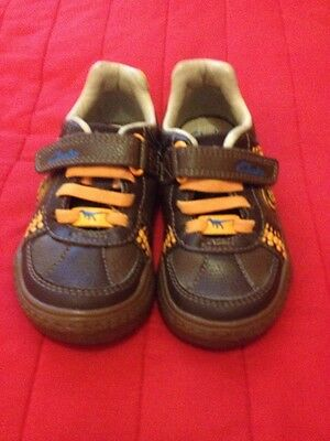 Clarke Boys Leather Shoes Size 71/2E In VGC