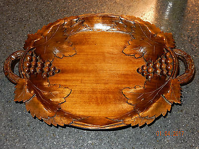Hans Trauffer Holzschitzerei Davos Hand Carved Wooden Grape Leaf & Cluster Tray