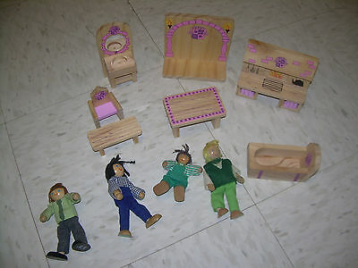 Pretend play melissa and doug Wood Dollhouse Furniture & Figures