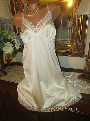 vINTAGE Candleglo Ivory Sears nylon FULL SLIP DRESS LINGERIE GOWN 40