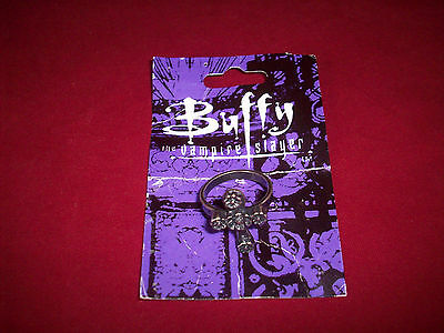 Buffy The Vampire Slayer Cross Crucifix Ring Pewter 1999 NEW BUT UNCARDED