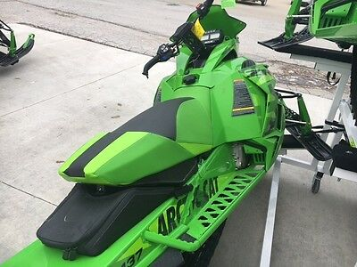 Arctic Cat XF7000 2016 Snopro Limited / New / Delivery Available /