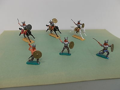 Timpo Toy Soldiers- 6 X VIKINGS, 3 on FOOT & 3 MOUNTED in MINT condition