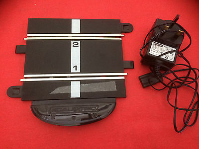 Scalextric 'Sports' 15 volt power rail and transformer