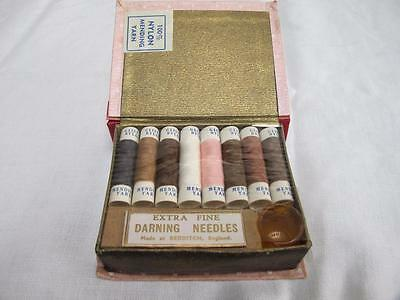 VINTAGE 1950's NOVELTY BOOK FORM STOCKING DARNING REPAIR SEWING KIT
