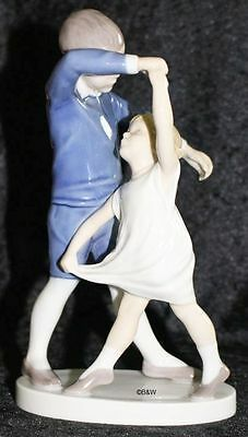 "Bing&grondahl / Royal Copenhagen Figur #1845  ""dancing School"" Top 2. Wahl"