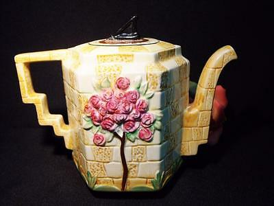 """BESWICK SUNDIAL TEAPOT AS PURCHASED by H M QUEEN MARY no 579 ca 192Os  6 1/4"""""""