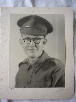 Australian WW2 army photo of a digger in uniform.  Rising Sun badges.  AIF.
