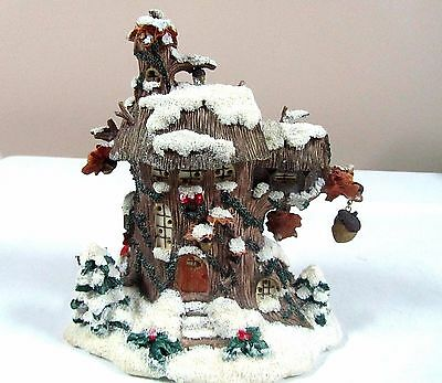 Charming Tails Collectible Great Oak Town Hall Lighted
