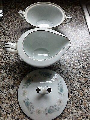 Noritake Wellesley   Lidded Sugar Bowl & Jug