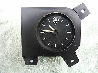 Vr  Vs Commodore Statesman Genuine Dash Clock Black With Emblem
