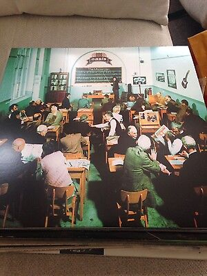 Oasis The Masterplan 2009 limited edition repress vinyl record EX
