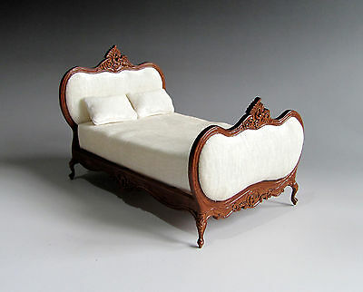 1:12th Scale ~ Bespaq ~ Detailed Walnut Finish Double bed for DOLLS HOUSE