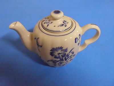 Williamsburg Andrea Sadek Hand Painted Blue Teapot C
