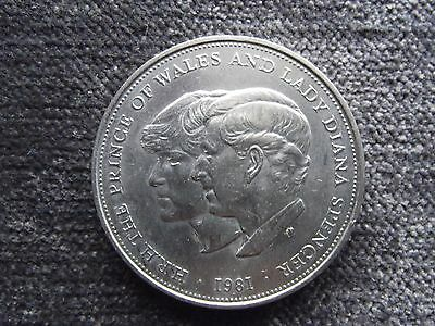 Prince of Wales and Diana coin 1981 Uncirculated (4)