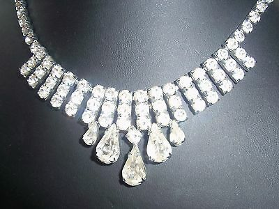Vintage jewellery: lovely articulated diamante necklace with teardrops