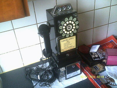 RETRO CLASSIC EDITION WILD & WOLF 1950s AMERICAN DINER TELEPHONE,WALL MOUNTABLE