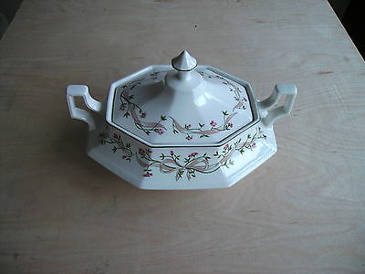 Johnson Brothers ETERNAL BEAU TURREEN /  VEGETABLE DISH  VGC