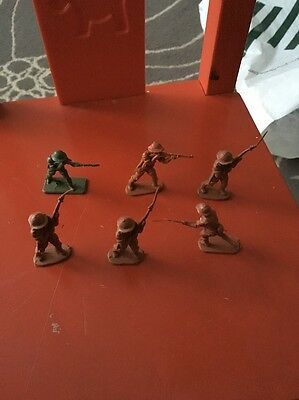 Vintage Toy Army Soldiers